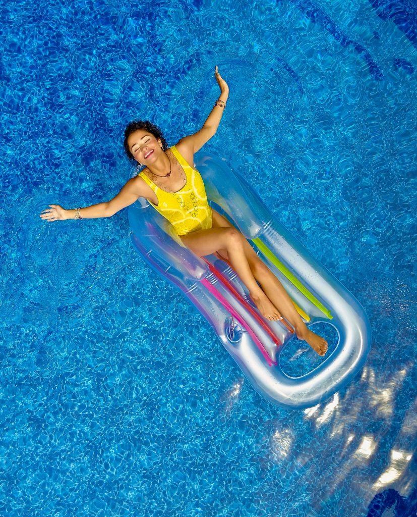 Gefahr von Sonnenbrand im Wasser